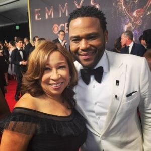 Tanya Hart and Anthony Anderson at 2017 Emmy Awards